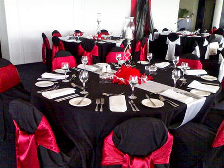 Red White and Black Table Settings OMG Its a Wedding